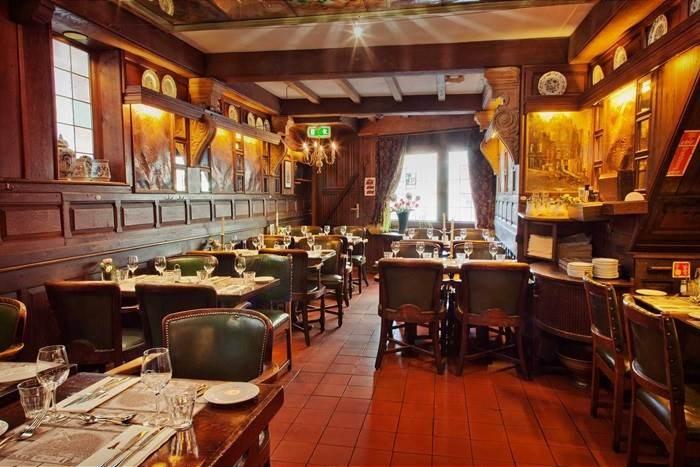 The In Amsterdam Dark Dating Restaurant