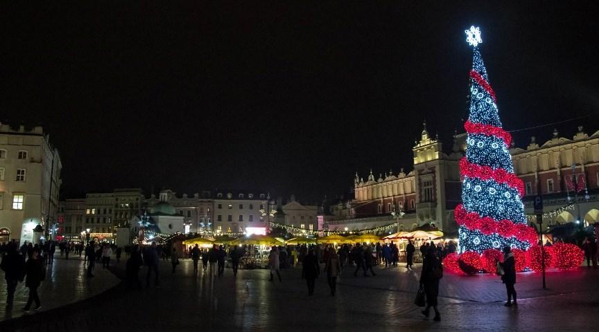 Рождественский базар на Рыночной площади в Кракове