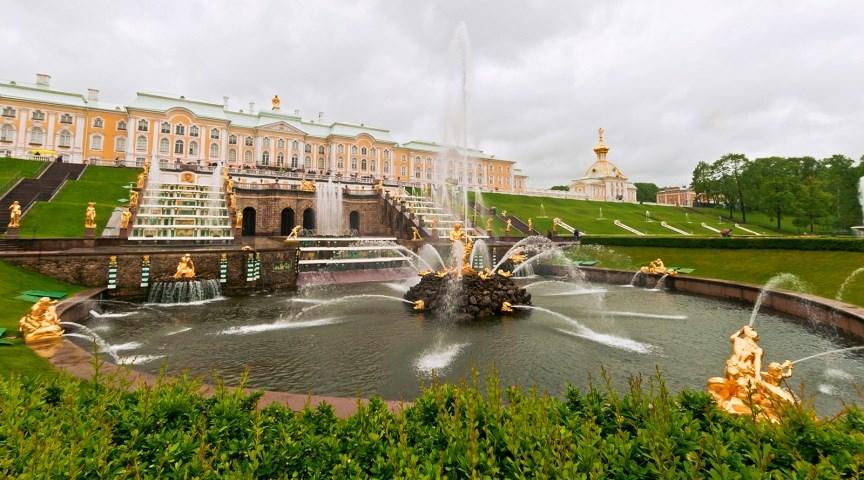 Дворцово-парковый ансамбль Петергоф, Россия