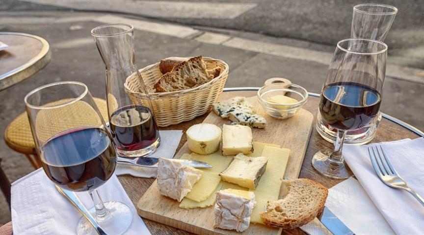 Отведайте местные блюда Парижа