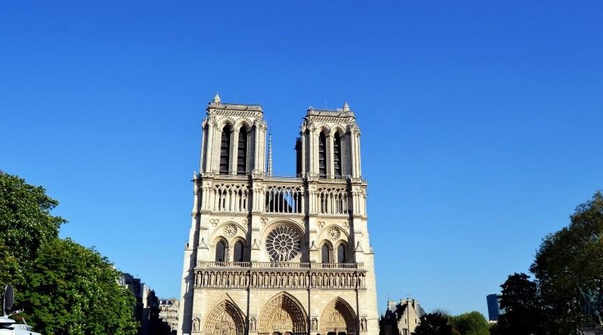 Побывайте в соборах Парижа