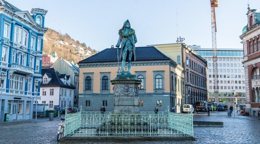 Памятник Хольбергу, Берген