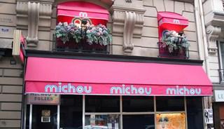 Превью фото о Баре Chez Michou Cabaret