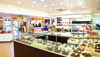 Превью фото о Магазине шоколада Chocopolis