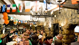 Превью фото о Ирландском пабе Delaney's