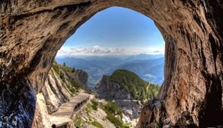 Превью фото о Пещере Эйсрайзенвельт