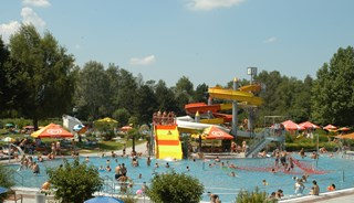 Превью фото о Бассейне Freibad Leopoldskron