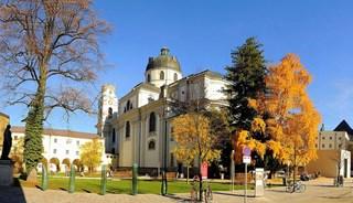 Превью фото о Церкви Коллегиенкирхе