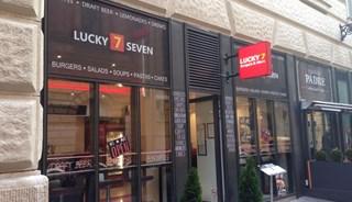 Превью фото о Габмбургерной Lucky 7 Burgers