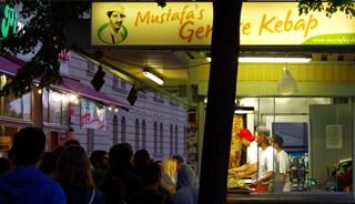 Превью фото о Mustafa's Gemuese Kebab