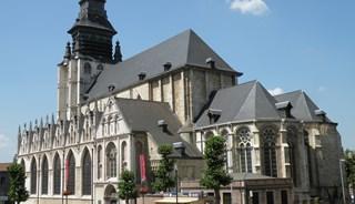 Превью фото о Церкви Нотр-Дам де ла Шапель