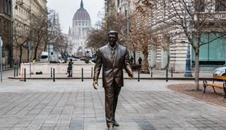 Превью фото о Памятнике Рональда Рейгана