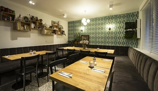 Превью фото о Ресторане Sanseveria Bagelsalon
