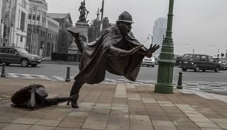 Превью фото о Памятнике Шутка над полицейским