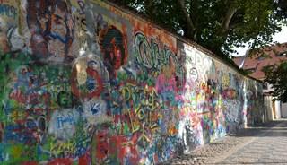 Фото Стена Джона Леннона