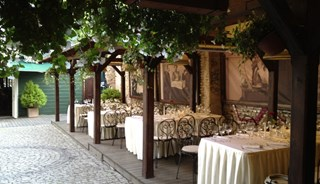 Превью фото о Ресторане «The Old Green House»